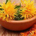 Cosmetics with safflower oil